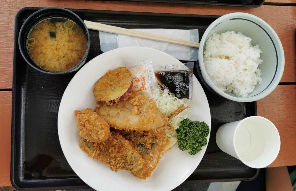 魚太郎旨いもの屋台_ミックスフライ定食